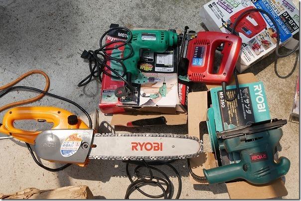 海で拾った流木の加工に使った電動工具