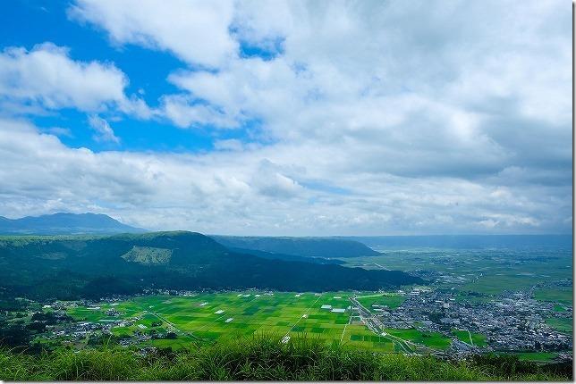 阿蘇 かぶと岩展望台から田んぼのパッチワーク