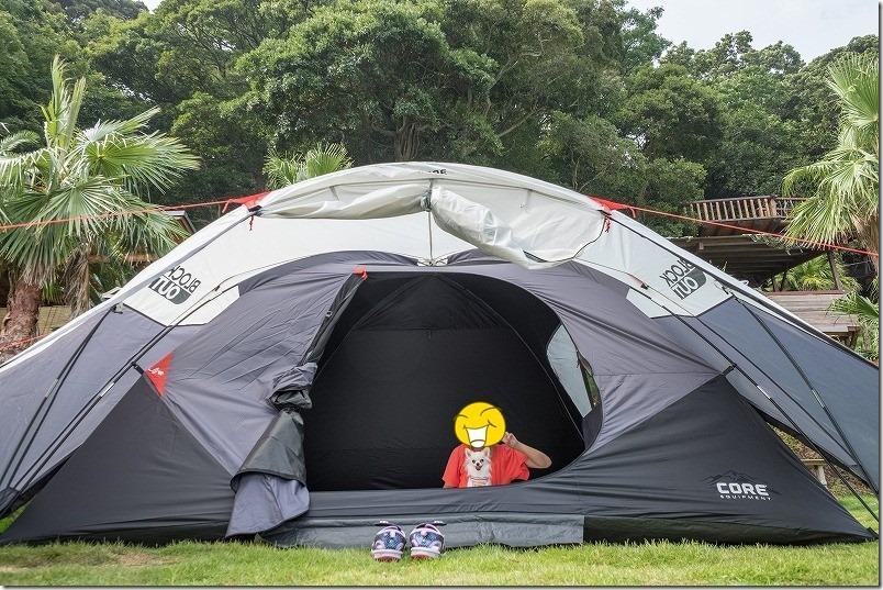 犬と一緒に糸島でキャンプ、6人用テントのサイズ感