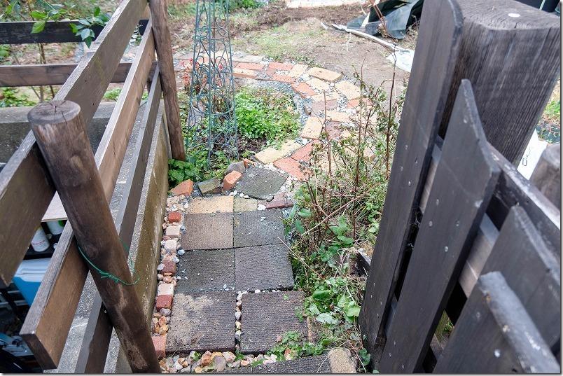 庭のレンガの小道の作り方、おしゃれで面白い小道