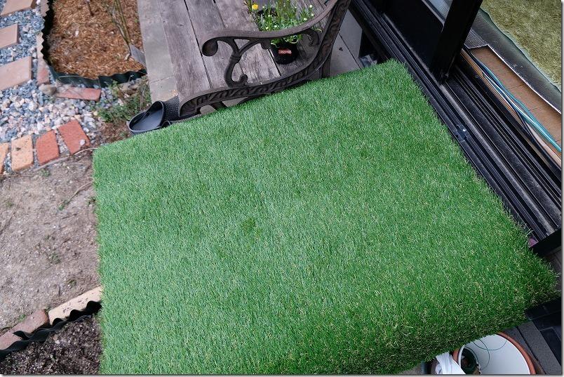 収納ボックスアイリスオーヤマをプチテラス化、人工芝DIY