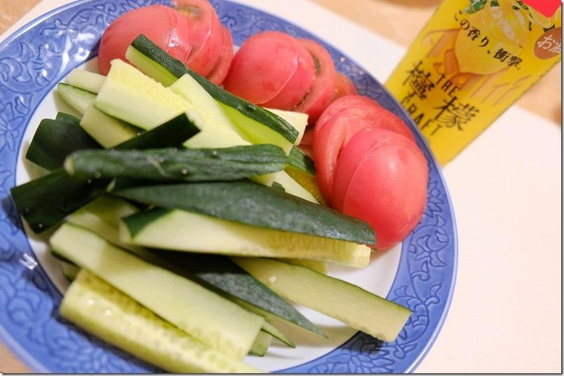 サントリー本気野菜きゅうり収穫、食す